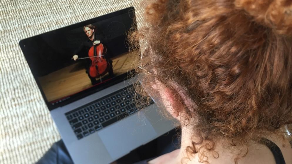 Digitale Konzerte vom Sofa aus - eine Studie