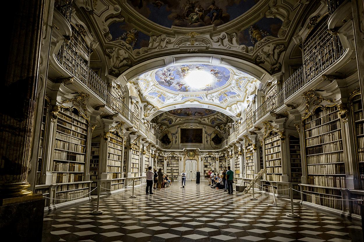 Bibliothek virtuell erleben